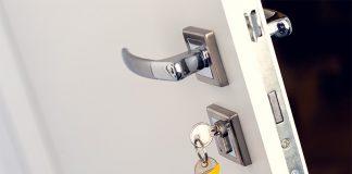 Außen- sowie Eingangstüren müssen eine ganze Reihe an Anforderungen erfüllen.