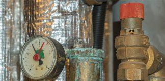 Der Austausch alter Heizkessel kann helfen, die Energiekosten massiv zu senken.