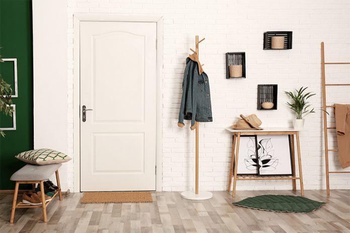 Türen haben vor allem die Aufgabe, Räume voneinander zu trennen. Aber auch eine entsprechende Geräuschdämmung kann sich lohnen.