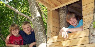 Ein Baumhaus steht auf der Wunschliste vieler Kinder ganz weit oben. Doch aufgepasst: Dieses Vorhaben will gut durchgeplant sein.