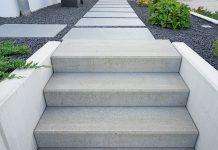 Für Treppen im Außenbereich stehen mehrere Materialien und Bauformen zur Auswahl.