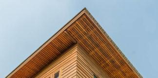 Fassade mit Rhombusleisten