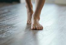 Fußboden, Füße