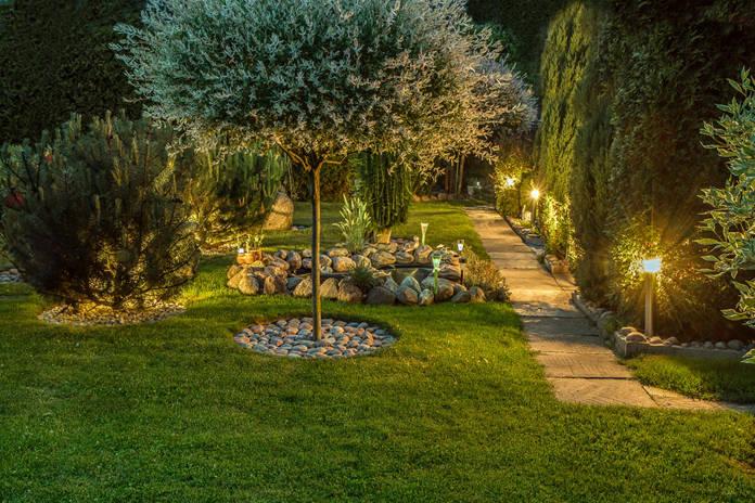 Gartenbeleuchtung, Gartenlampe