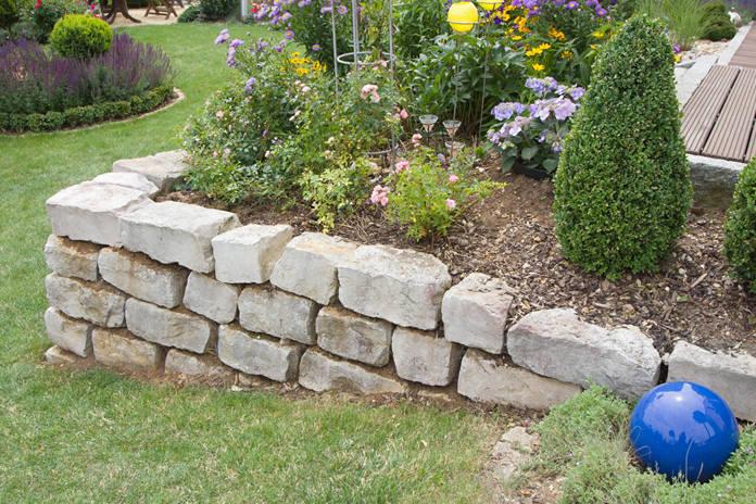 Trockenmauer, Natursteinmauer
