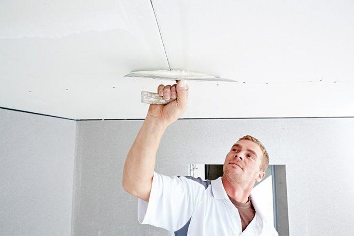 Die Gipskartonplatte eignet sich ideal zum Ausbau von Wänden und Decken im Innenbereich.