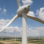 """Neben großen Windrädern gibt es auch die Möglichkeit Strom durch die sogenannte """"Kleine Windkraft"""" zu erzeugen."""